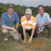 Agua Salud Project Inauguration. Christian Samper; J. Salteiro & Eldredge Bermingham, planting trees